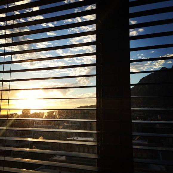 image from http://alvarezphoto.typepad.com/.a/6a00e551a5897b8833017c36eca7e9970b-pi